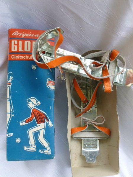 Alte Gloria Gleitschuhe. Viele Runden auf dem gefrorenen Schloßteich gedreht. – Dynamit-Wally
