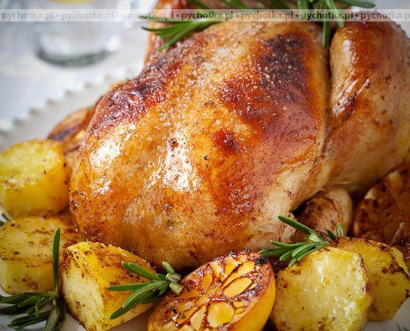 Pychotka.pl gorąco poleca sprawdzone przepisy na kurczaki. Kurczak faszerowany mięsem mielonym. Do wykonania tej potrawy potrzebujesz:kurczaka, marchewki, jajko.