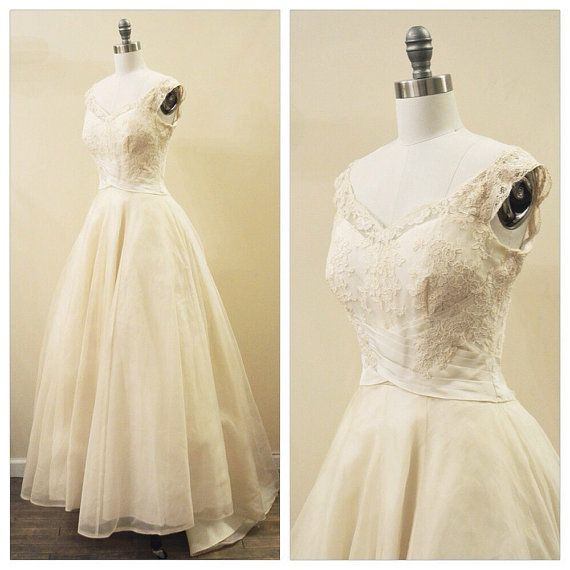 346 best Vintage wedding dresses images on Pinterest | Wedding ...