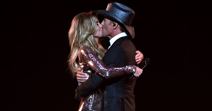 Tim McGraw's new pic of wife Faith Hill is crazy sexy   Rare Country