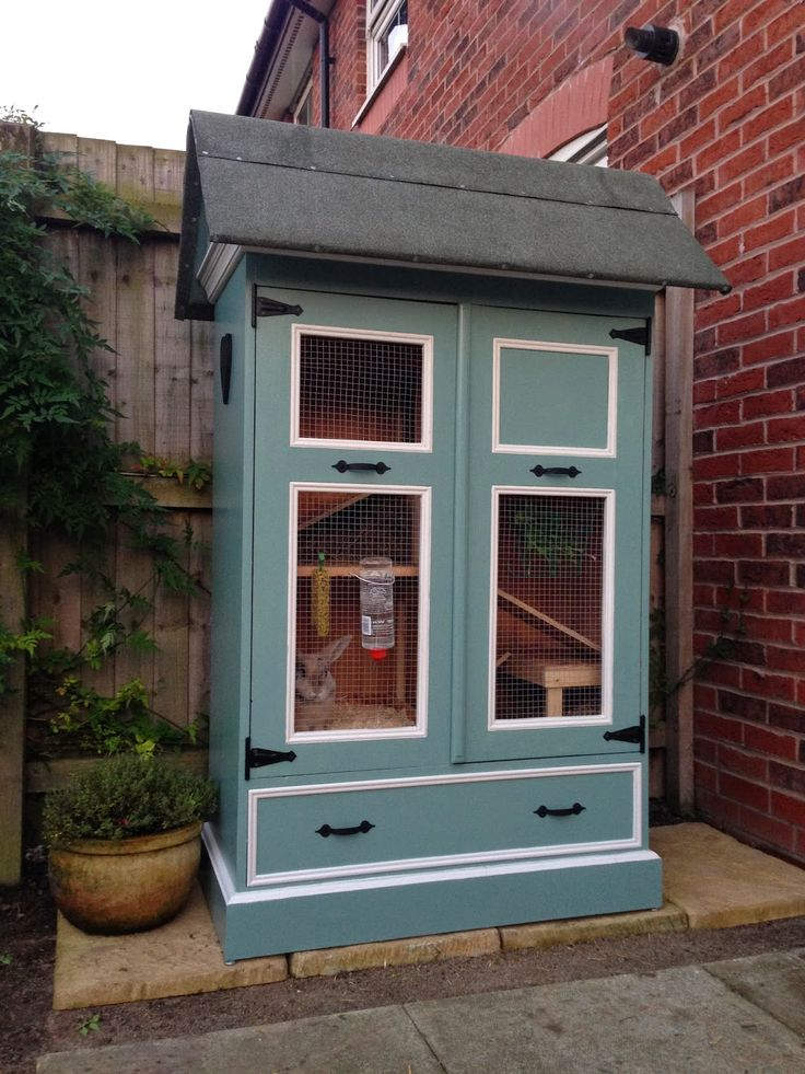 It's finished! Never Plain Jane: {DIY} From wardrobe to VIP bunny mansion