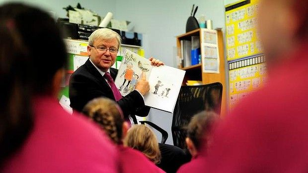 And another photo of #Australia's PM Kevin Rudd reading a #WindyHollowBooks #Childrenbook, 'With Nan'! Cranbourne News reports that #KRudd was told by minders he had to go speak to the media but he stayed as he wanted to find out what happened at the end! Great decision #KevinRudd!