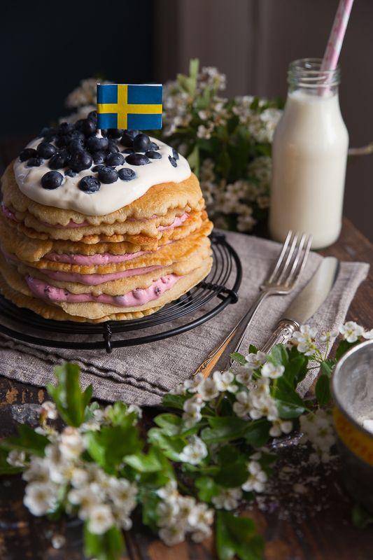 Schwedische Pfannkuchentorte, Pfannkuchen, Torte, Beeren, Sommer, Summer, Sweden, Food Photography, Detailliebe