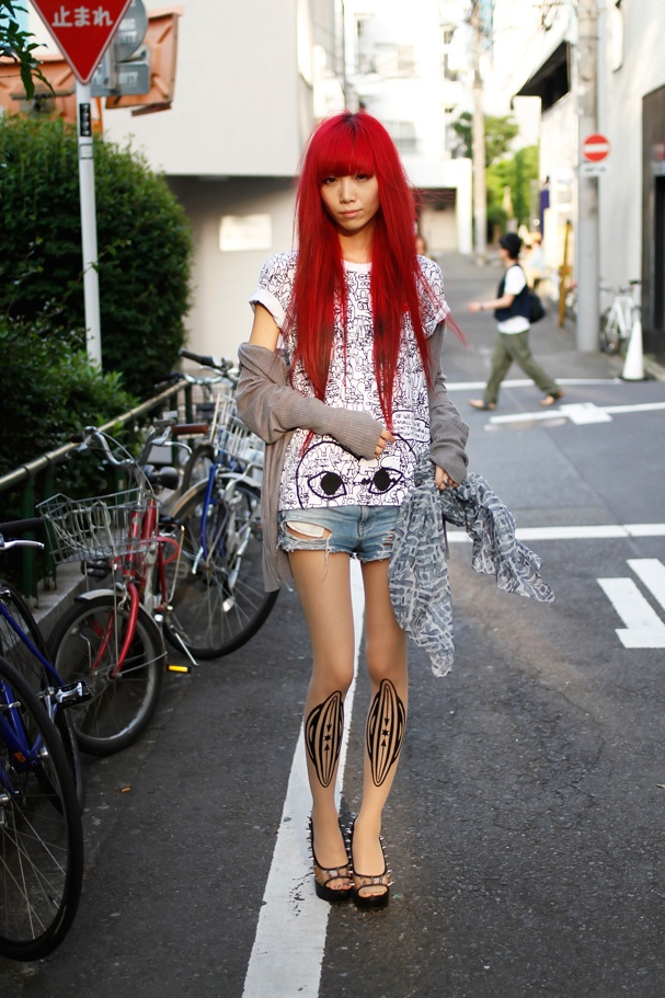 Japanese Street Style Japan Street Style Pinterest Everyday Look Patterned Tights And