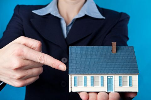 How hiring a real estate consultant can help you make a good investment...