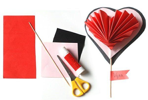 Basteln bunt papier blätter rot Valentinstag anleitung