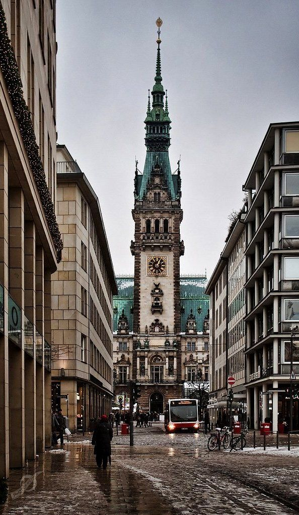 Hamburg in winter, Germany #Hamburg #EuropaPassage #EuropaPassageHamburg