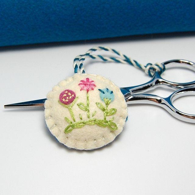 Embroidered Felt Scissor Fob - Miniature Flowers