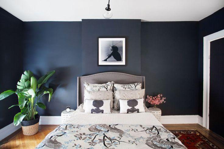 Bedroom Has Burnt Orange Walls This Bold Brooklyn Bedroom Went For A Seductive Elegant Bedroom Decoration