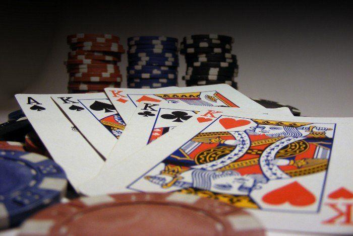 http://berufebilder.de/wp-content/uploads/2012/10/poker-700x469.jpg Regeln der Macht für Frauen - 8/8:  Erfolgreich mit Pokerface