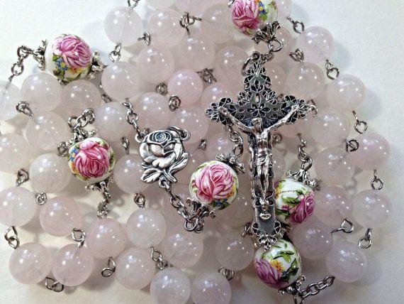 Rosario gemas de cuarzo rosa hermosa por BelladonnasShoppe en Etsy