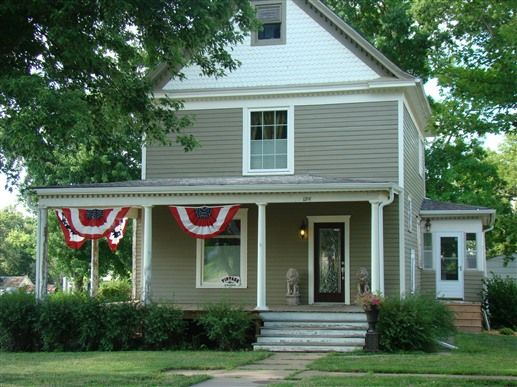 Vintage Charm Bed And Breakfast Hotel In Waterville, Kansas