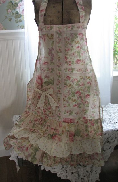 I love this shabby apron (from Rose Petals and Rust) It's so lovely, I'd be afraid to wear it (I'm such a messy cook!:) lol