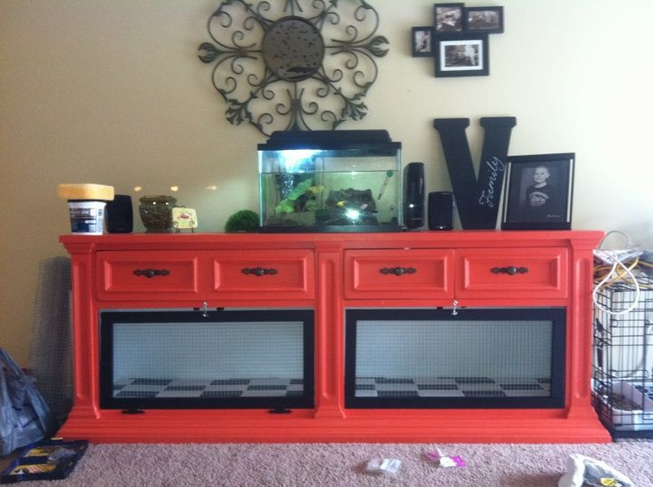 Diy rabbit hutch from dresser diy crafty stuff for Rabbit cage made out of dresser