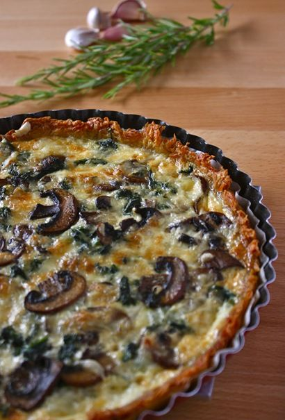 How do we feel about quiche? This spinach & mushroom quiche has what I would call a hashbrown crust, so I'm up for trying it!