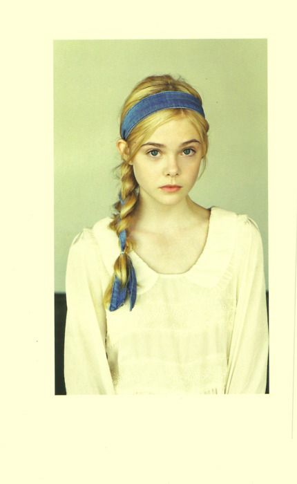 elle fanning is perfect in this photo.