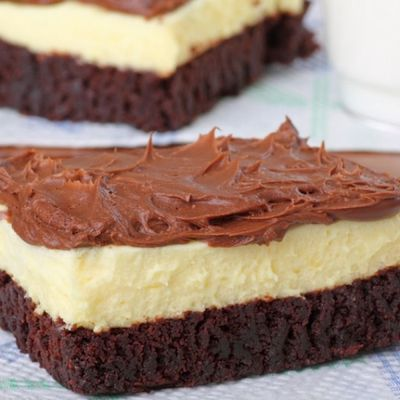 Oh my good lord..... Easy Brownie Bottom Cheesecake with Chocolate Frosting - Food Recipes