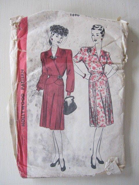 Cartamodello, vestito di Hollywood degli anni trenta, un pezzo abito vintage con chiusura camice taglia 40 di TheCottageWay su Etsy https://www.etsy.com/it/listing/67198495/cartamodello-vestito-di-hollywood-degli
