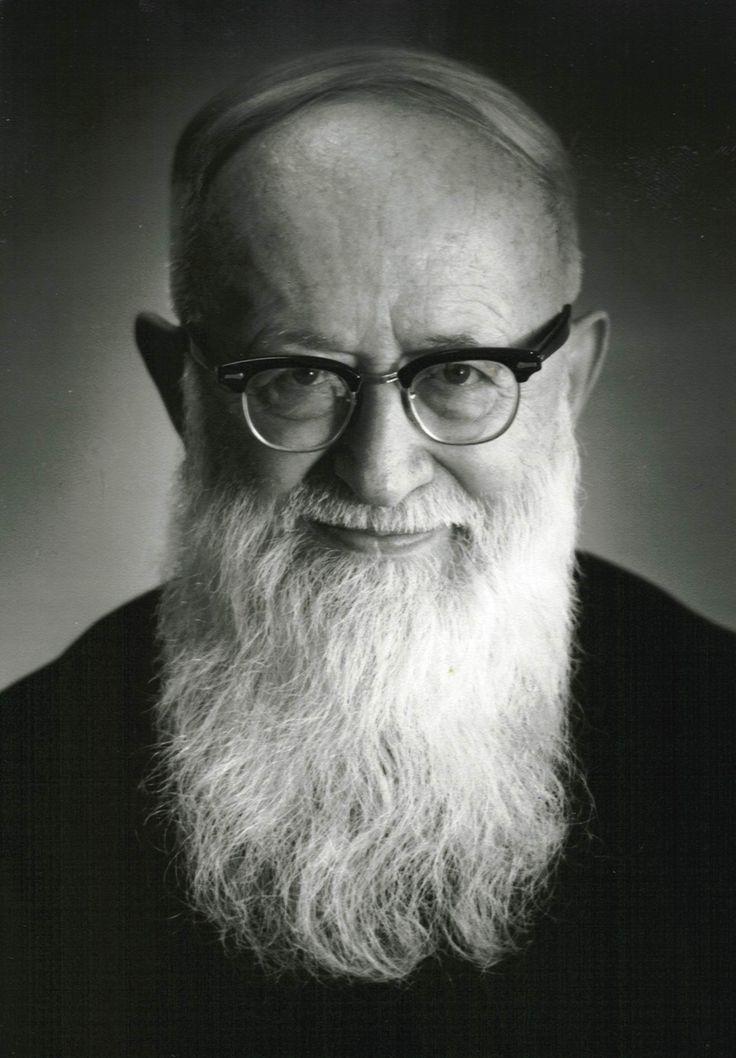 Josef Kentenich (1885-1968) foi um padre católico alemão, fundador do Movimento de Schoenstatt.