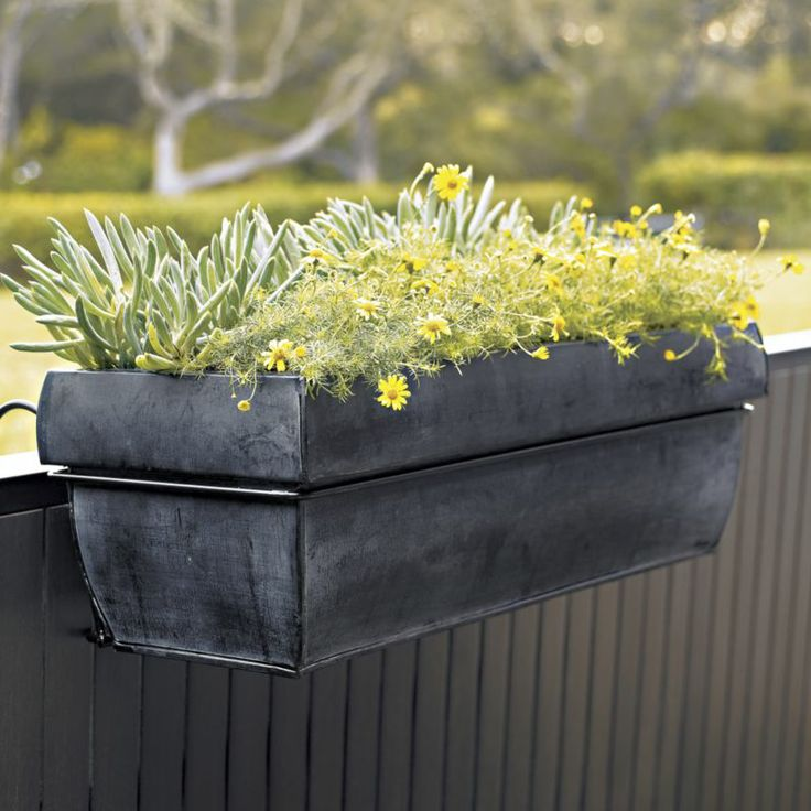 17 best ideas about rectangular planters on pinterest for Balcony planters