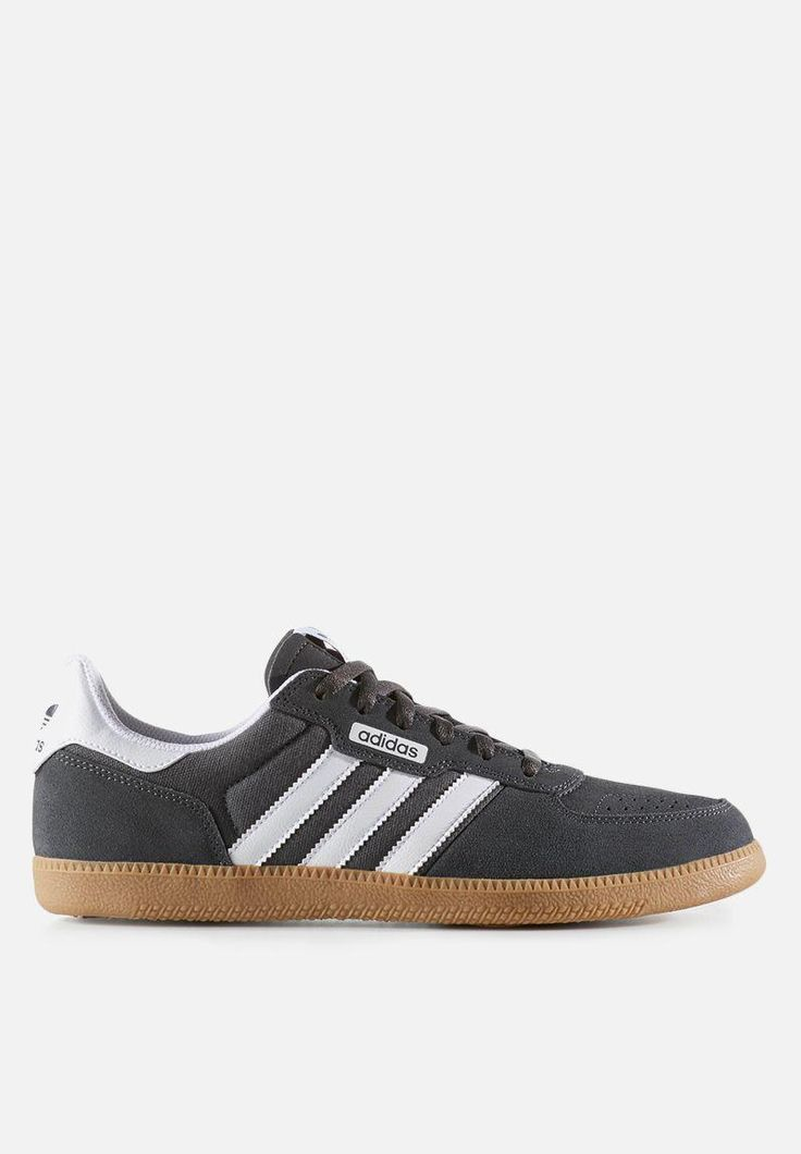 Inspired by archive adidas soccer cleats, this authentic skate shoe is crafted for everyday wear and tear. Built on a durable, supportive cup sole with a sock liner for low-profile cushioning, these men's shoes have a textile-lined suede upper for long-lasting comfort and performance.