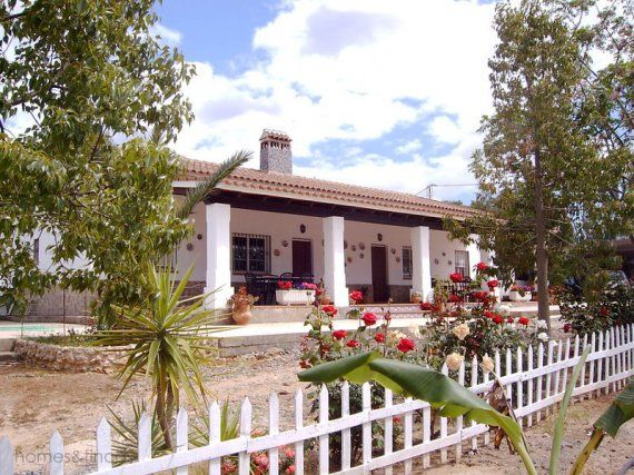 Houses in Spain   ... Country Houses for sale in Spain - Cortijos Country Houses Sale Spain