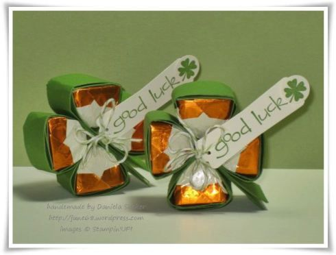 Hershey's Shamrock Tutorial (done here a four-leaf with Ferrero kisses - for more luck ^^) very cute