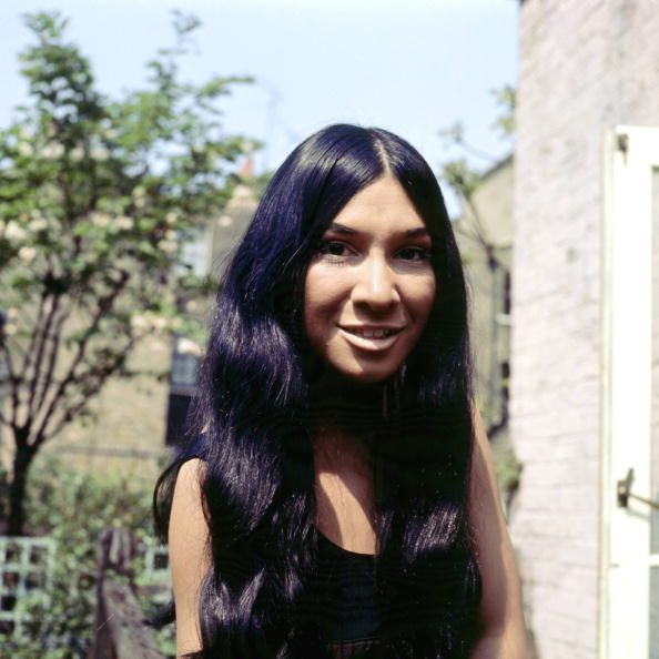 Photo of Buffy ST MARIE Posed portrait of Buffy Saint Marie