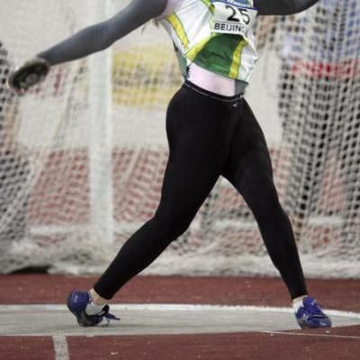 How to Throw a Discus Step-by-Step: Power position