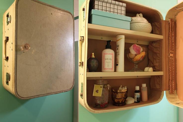 an old suitcase turned into a medicine cabinet craft ideas pinterest medicine. Black Bedroom Furniture Sets. Home Design Ideas