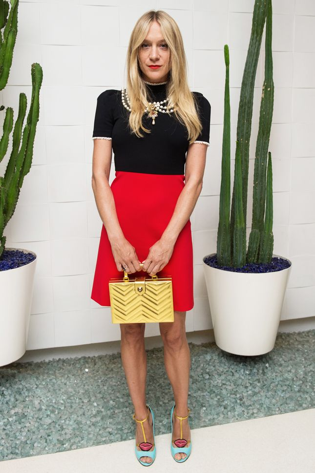 Кендалл Дженнер в юбке Gucci в Западном Голливуде | Мода | VOGUE Live | VOGUE