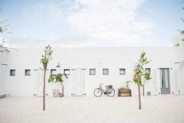 ATELIER RUE VERTE , le blog: Italie / Masseria Moroseta, un hôtel aux murs blancs /