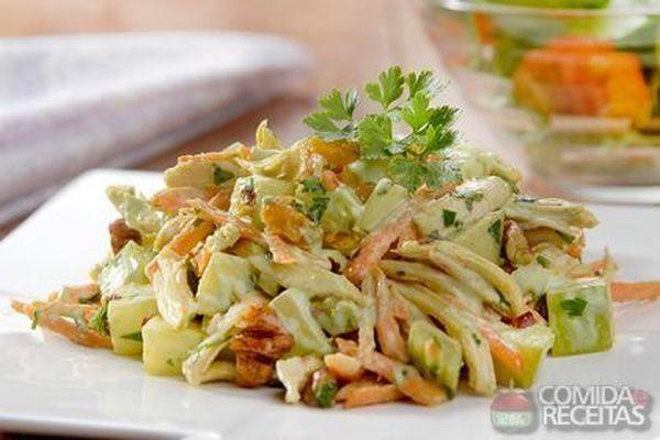 Receita de Salpicão de frango com maionese de rúcula em receitas de saladas, veja essa e outras receitas aqui!