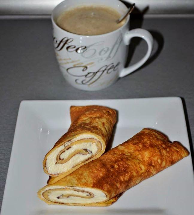 """Próbáltátok már a rántottát (tojás, só, kömény) palacsintasütőben kisütni (úgy mint a palacsintát)? Így lehet gyorsan """"tortilla""""-t készíteni. Bármi tölthető bele: pl. az ebédre szánt gyros, vagy a reggeli sajt+sonka stb..., a határ a csillagos ég. ;)    Sós verzióban hamis tortilla:"""