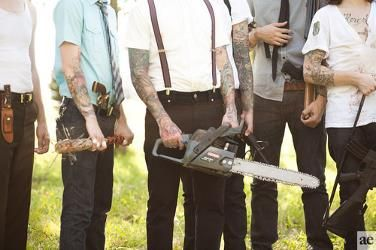 Absolutely love this. Zombie wedding shoot. Just to cool !