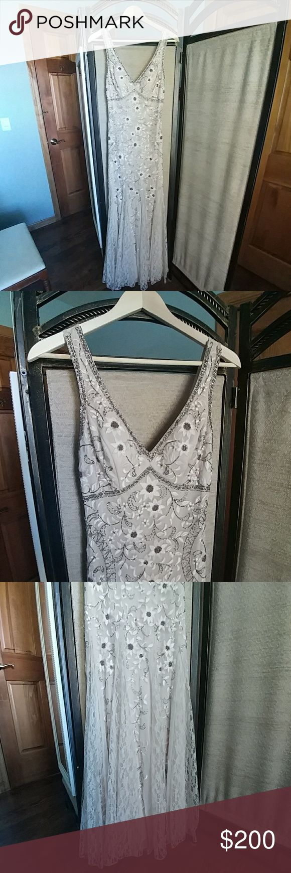 Sue Wong gown Beautiful floor length Sue Wong gown. In excellent condition ,just missing a few little beads. Sue Wong Dresses Wedding