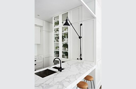 Classic white with a pop of black to stop things getting boring. www.homesalemalta.com