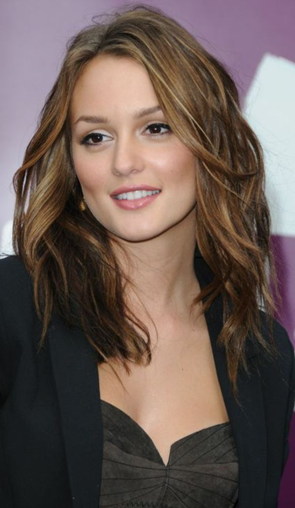 Photo de Leighton Meesters avec une coiffure tendance