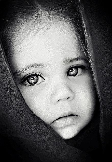 ♀ Black and white photography face of a girl