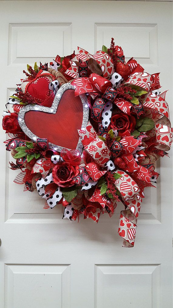 Valentine Wreath Valentines Wreath with a LED