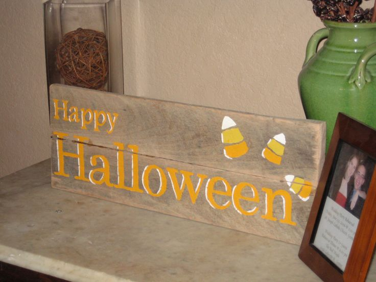 halloween pallets | Adventures In Creating: Another Pallet Sign: Happy Halloween