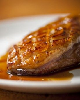Gebraden eend met sinaasappelsaus - Recepten - Culinair - KnackWeekend.be