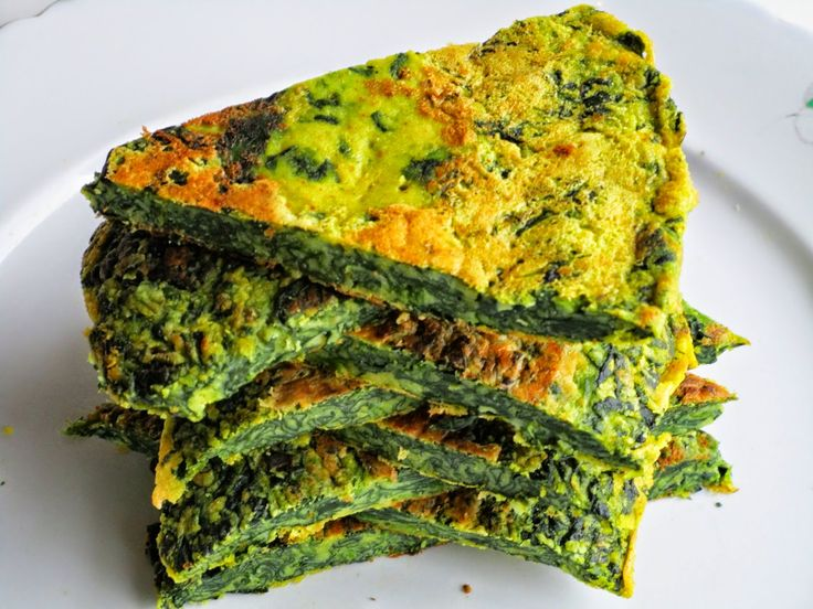 Vegan frittata with spinach, turmeric and lemon zest