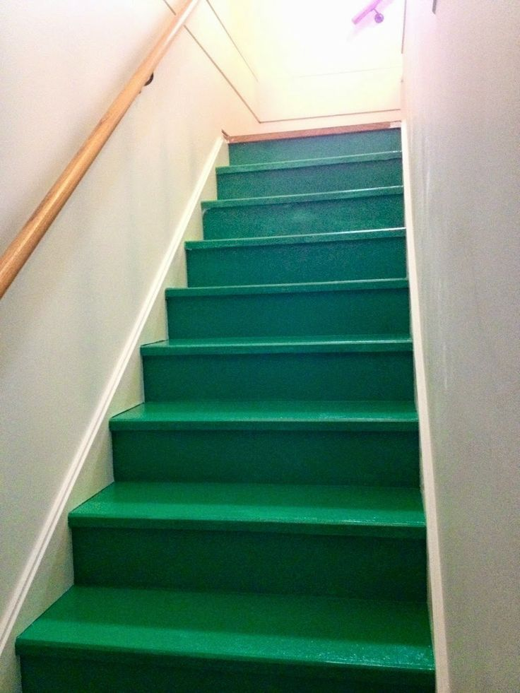 Painting the stairs green. Love it! Chic My House