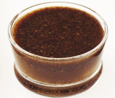Coca Cola-marinad rör du kvickt ihop. Honung, vitlök, chili och koriander ger suverän smak i den här härliga marinaden, som passar till kött, fågel och fisk.