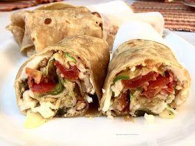E' un piatto della cucina tex-mex, formato da una tortilla di farina farcita con carne di pollo o di manzo e verdure, oppure solo con verdur...