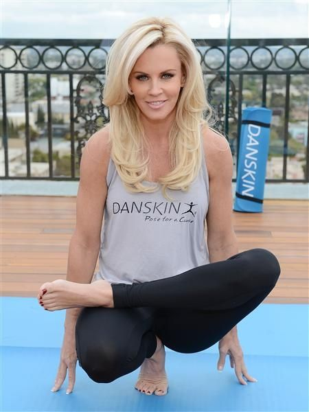 Jenny McCarthy's hair - I really really love this haircut.
