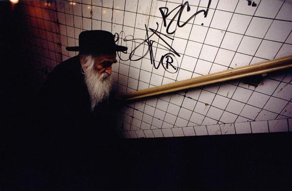 Bruce Davidson. NYC 1980 Subway