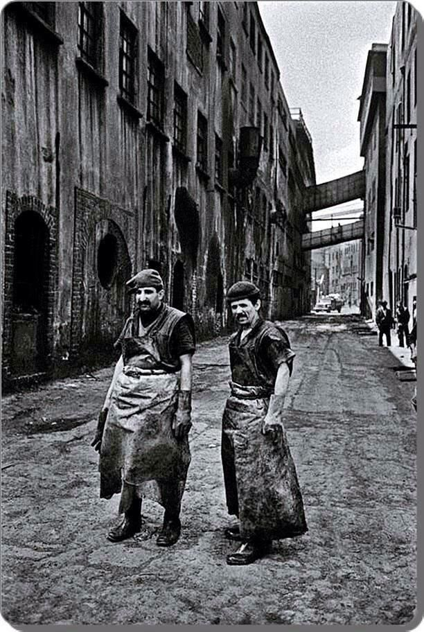 Kazlıçeşme Deri İşçileri, 1970 ( Ara Güler) #istanlook