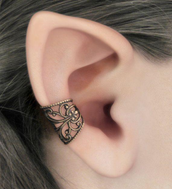 Este brazalete de oído es una necesidad si usted está interesado en joyas de fantasía estilo o algo especial y único. Está había hecha de filigrana